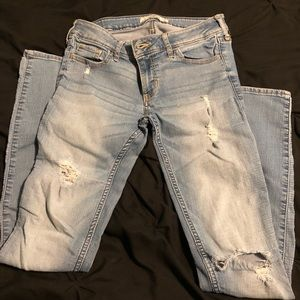 Hollister Destroyed Low Rise Skinny Jeans